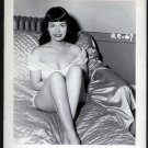 BETTY PAGE BOSOMY BED POSE IRVING KLAW VINTAGE PHOTO 4X5  BP-67