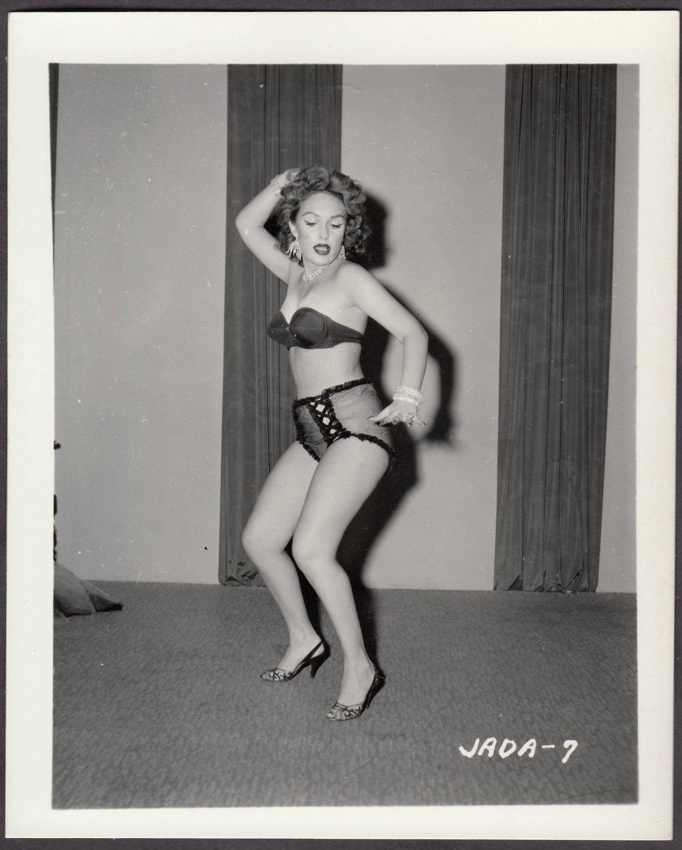 INFAMOUS STRIPPER JADA CONFORTO IRVING KLAW VINTAGE ORIGINAL PHOTO 4X5 1950'S #7