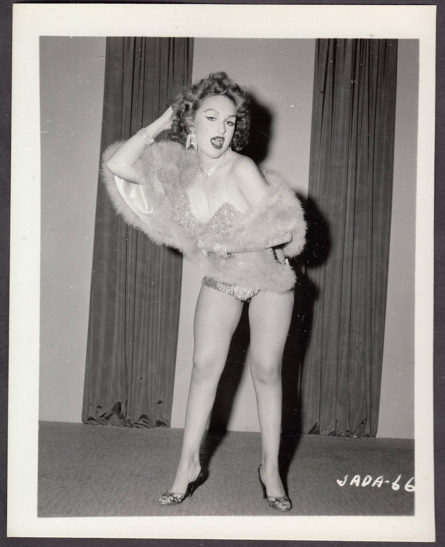 INFAMOUS STRIPPER JADA CONFORTO IRVING KLAW VINTAGE ORIGINAL PHOTO 4X5 1950'S #66
