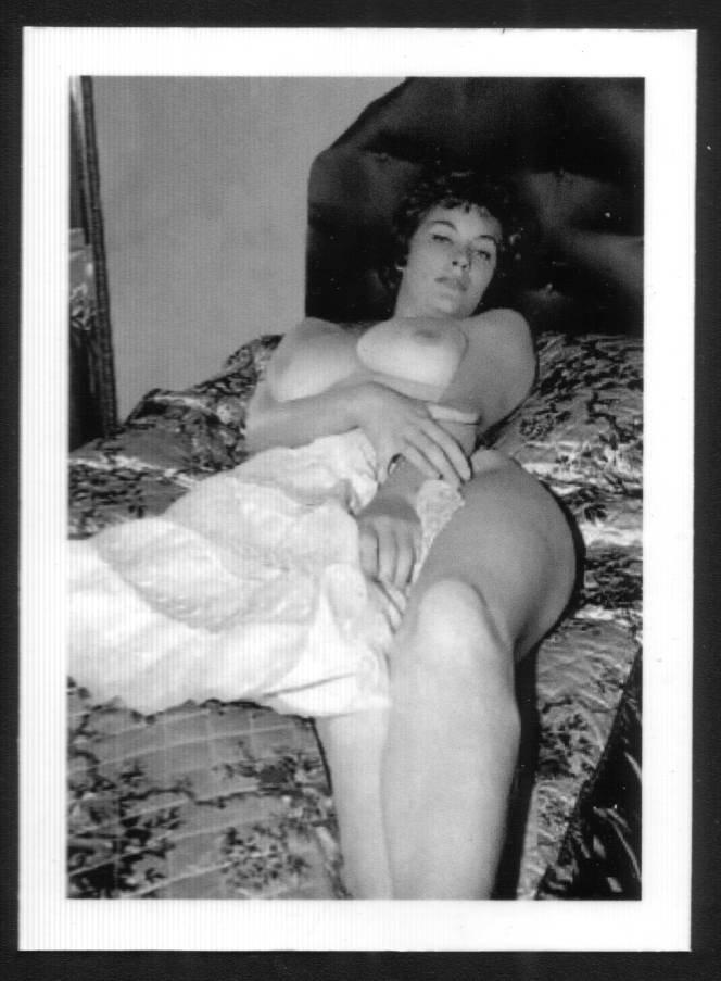ANN AUSTIN TOPLESS NUDE HUGE HEAVY HANGING BOOBS 5X7 REPRINT #41