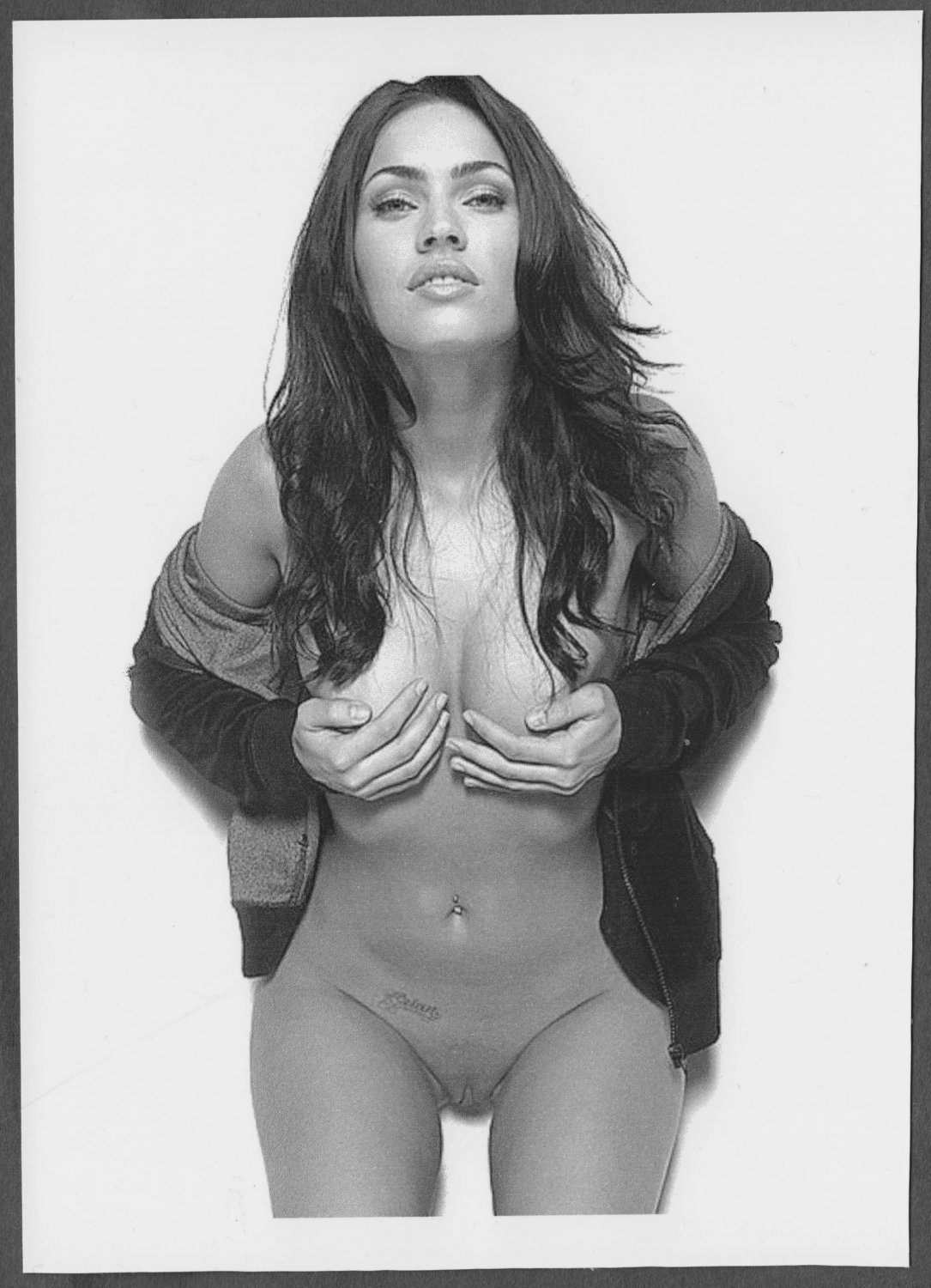 MEGAN FOX TOPLESS NUDE LARGE BREASTS SHAVED PUSSY NEW REPRINT 5X7  #15