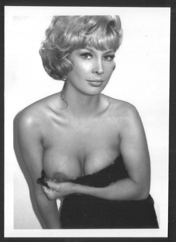 Barbara eden bra size and measurements