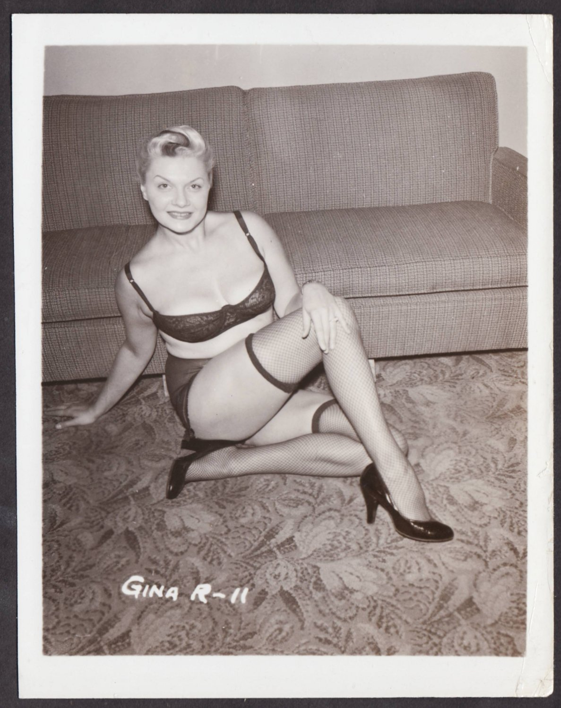 FETISH MODEL GINA R. IRVING KLAW VINTAGE ORIGINAL PHOTO 4X5 1950'S #11