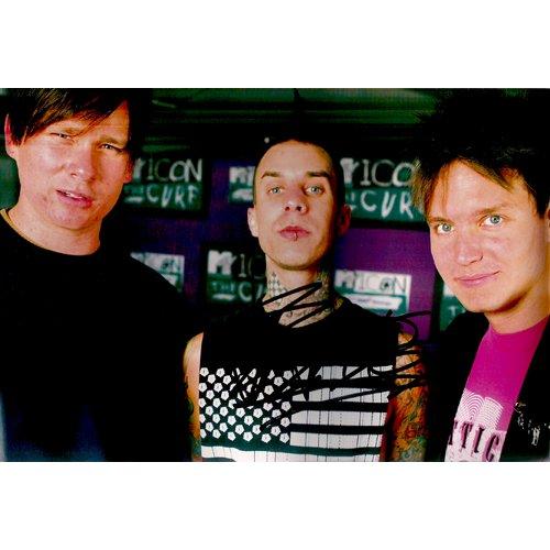 BLINK 182 TRAVIS BARKER SIGNED 8x12 PHOTO + COA
