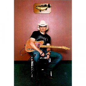 BRAD PAISLEY SIGNED 4x6 PHOTO + COA