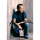 KIEFER SUTHERLAND SIGNED 4x6 PHOTO + COA