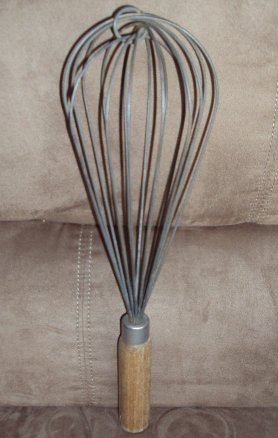 Vintage Large Hand Metal Wire Whip Chef's Whisk Wood Handle Egg Beater