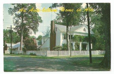 Home of Mrs. J.G. Hill Mooresville Alabama Postcard
