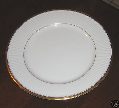 ELEGANT FITZ & FLOYD CLASSIQUE D'OR WHITE BREAD PLATE