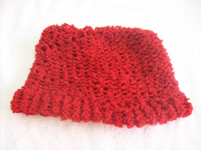 Hand-knitted ladies hat, red