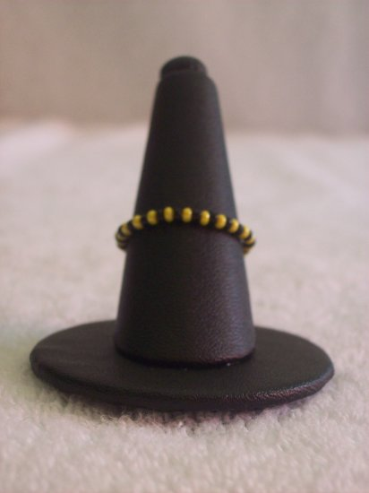 Simple ring, yellow and black