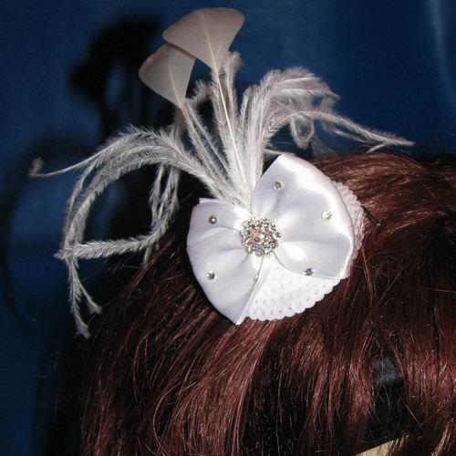 Jillian Bow Mini Hat White on Comb