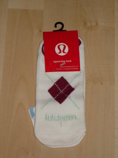 Lululemon Sports Day Sock Coolmax NWT 7-10 White/Maroon *PLUS BONUS CASH BACK!*