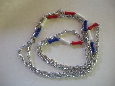1975 Vintage SARAH COV. Patriotic Necklace from her Applause Collection
