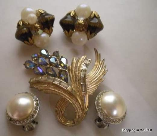Vintage Crafter�s Lot Jewelry, Coro Brooch