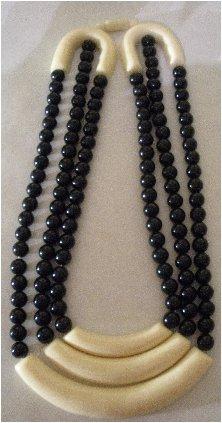 Vintage Stylish & Bold 3 Strand Necklace