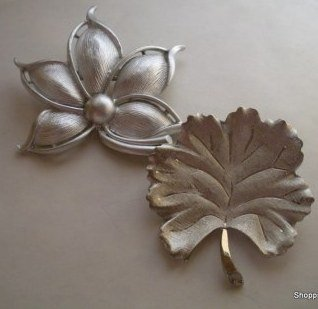 2 Vintage Textured Silver Tone Autumn Fall Brooches