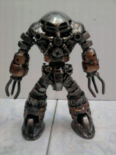 Gundam Robot Metal Sculpture Art