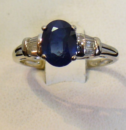 18K Gold 1.50 ct Sapphire & Diamond ring with Appraisal
