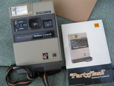 VTG.  Kodak Partyflash Instant  Camera with Manual and strap New w box
