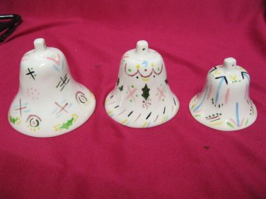 VINTAGE LOT 3 NESTING BELLS PORCELAIN ? HANGING ORNAMENTS HAND PAINTED MISTLETOE