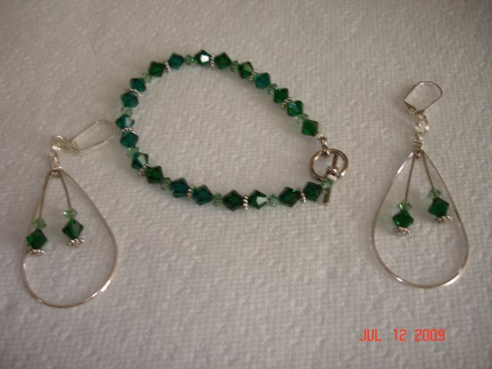 Swarovski bracelet and hoop earing set