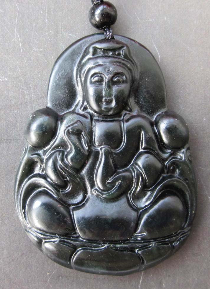 Black Green Jade Tibet Buddhist Mercy Kwan-Yin Amulet Pendant  TH89