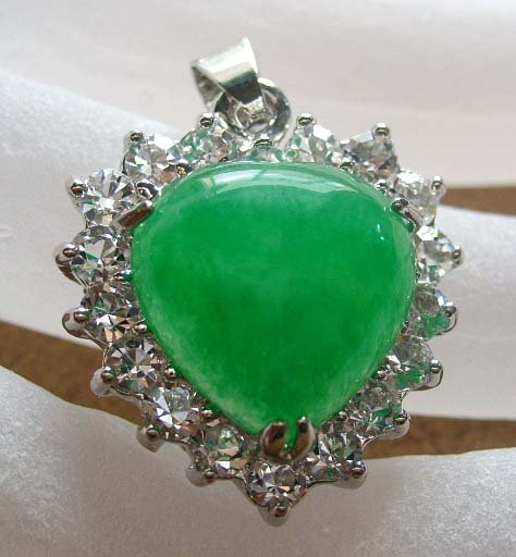 Nice Acrylic Diamond Green Jade Heart Pendant 20mm*20mm  T0295