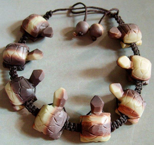 Zipao Jade Carved Longevity Turtle Beads Bracelet  T0602