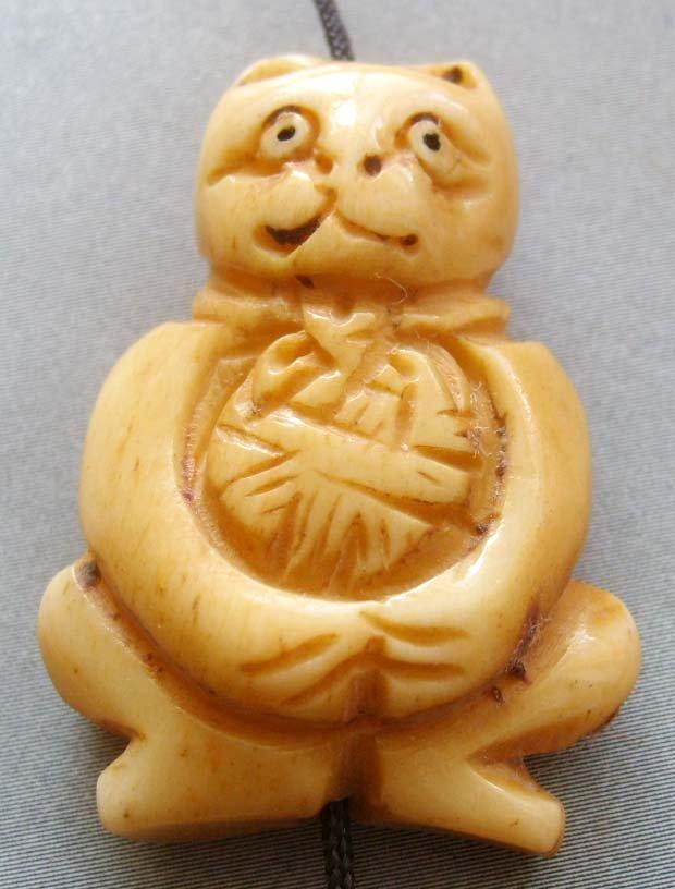 Ox Bone Carved Cat Pendant Bead 33mm*24mm  T1771
