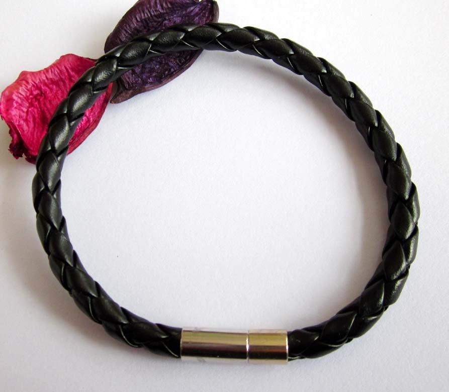 Black Leather Weave Bangle Bracelet  T2577