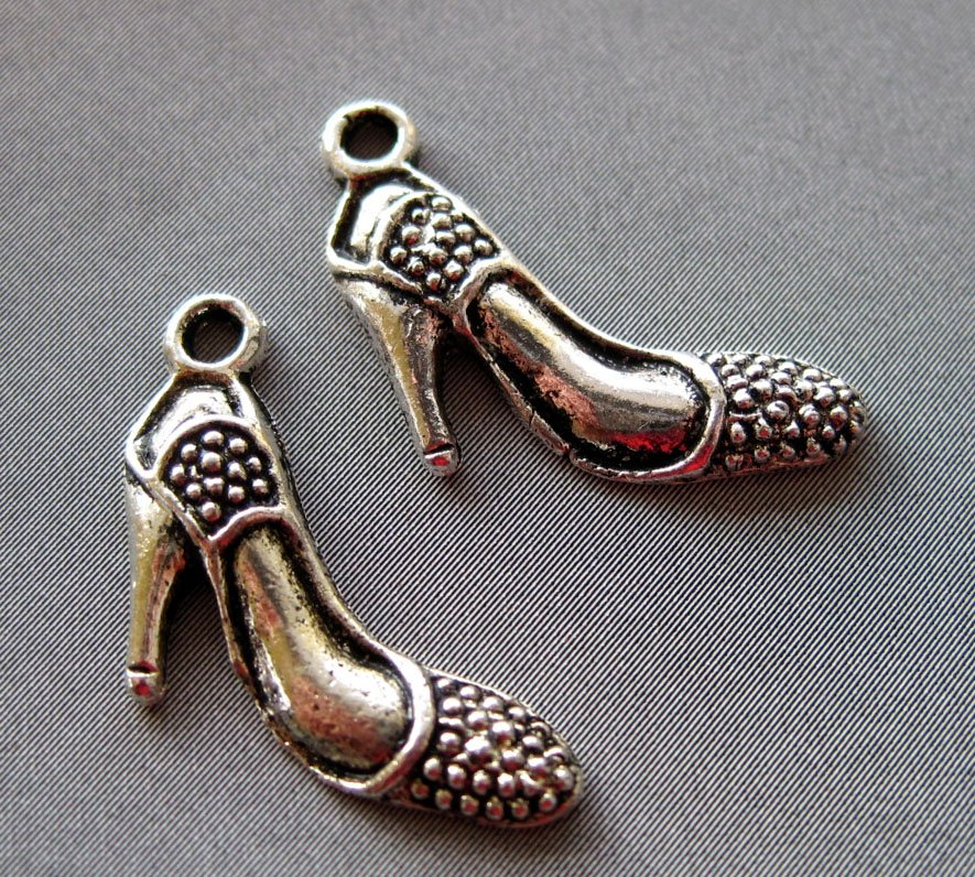 25Pcs Alloy Metal Lady-Shoe Pendant Beads Finding 20mm*15mm  ja0006