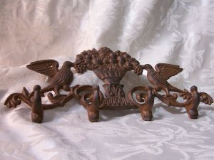 Cast Iron Bird Key Rack