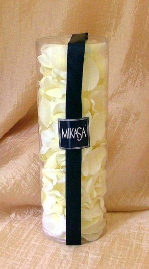 Mikasa Cream flower petal
