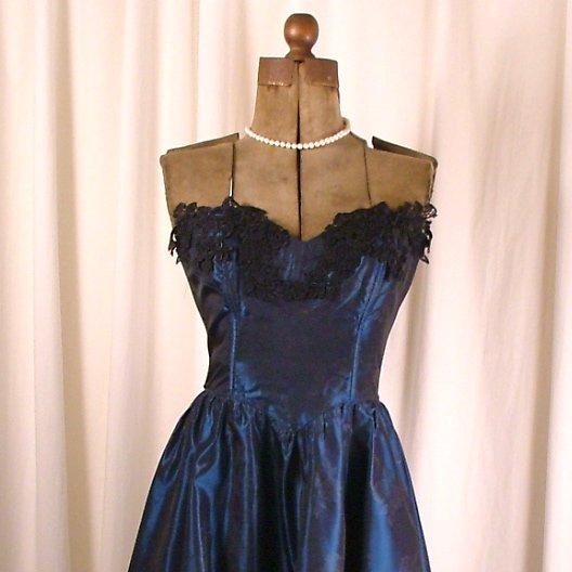 Vintage Tea length dark blue Gunne Sax embossed satin sz 7