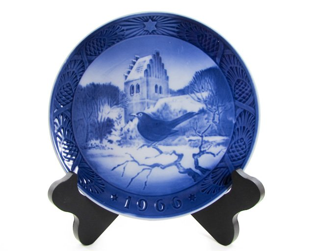 Royal Copenhagen 1966 Blackbird At Christmastime Kai Lange Denmark, Cobalt Blue, Christmas Plate