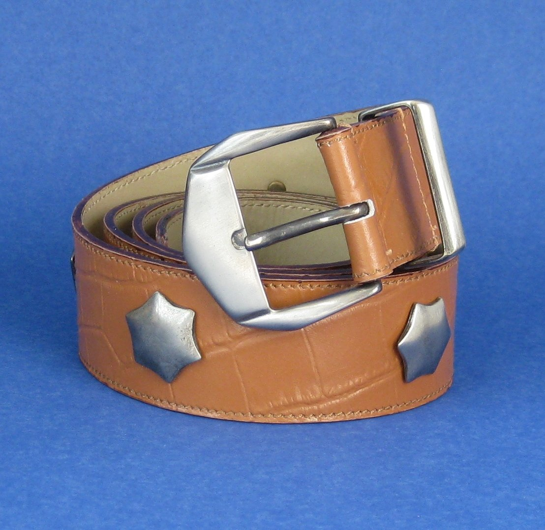 New without tags - Vitanuova Star Studded Croc Embossed Leather Belt - L