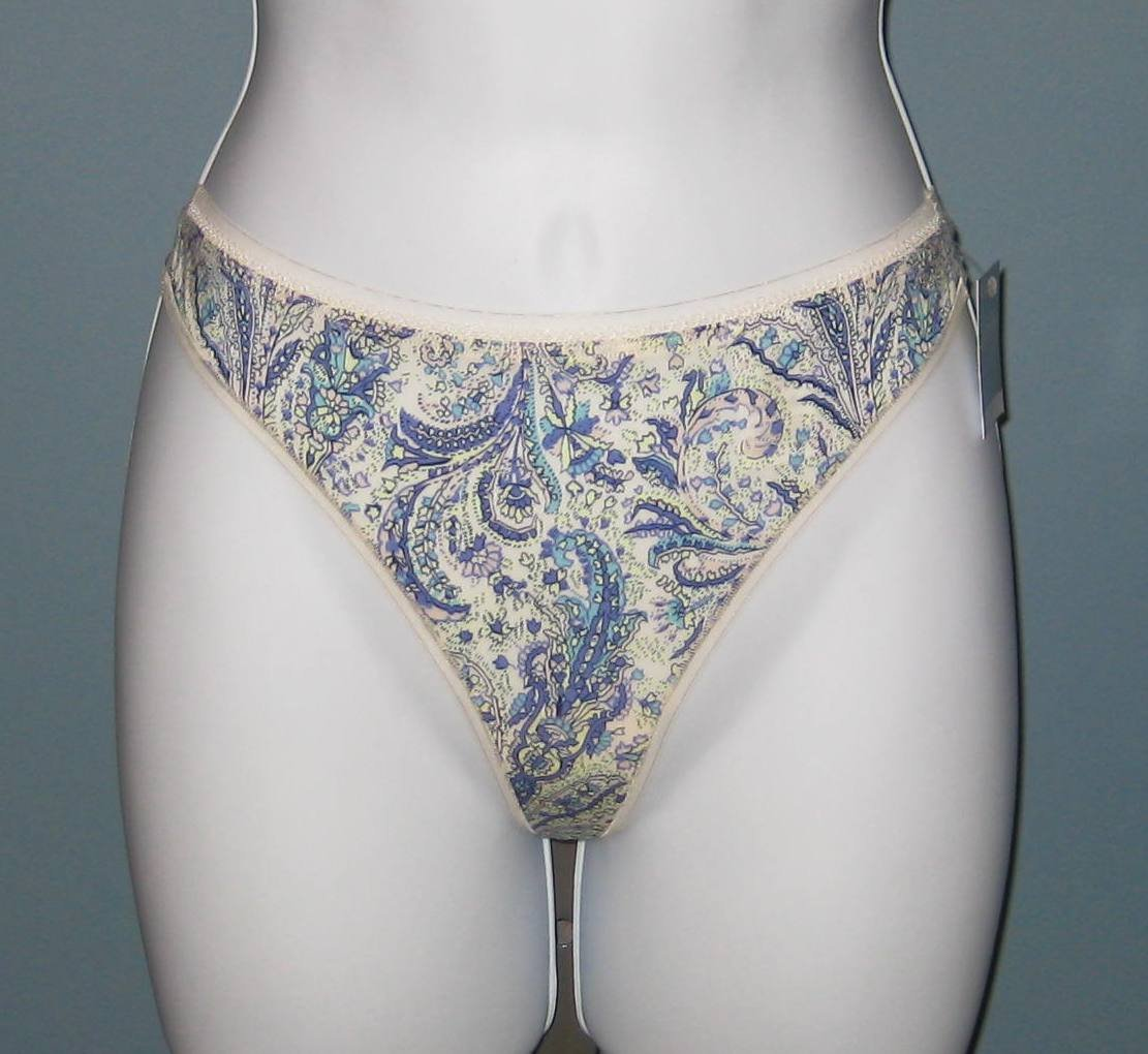 NWT Calvin Klein Naked Glamour Purple Floral Thong #D3431 - M