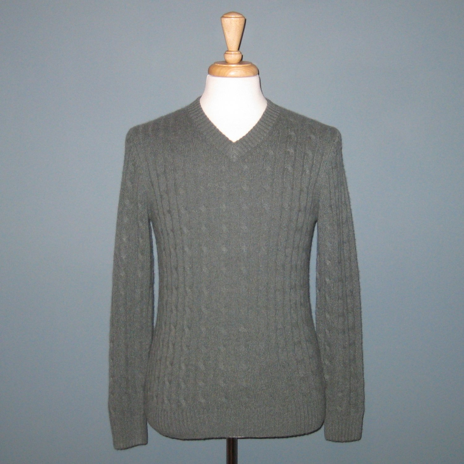 NWT Daniel Bishop 2-Ply 100% Cashmere Green Cable Knit Long Sleeve V-neck Sweater - S