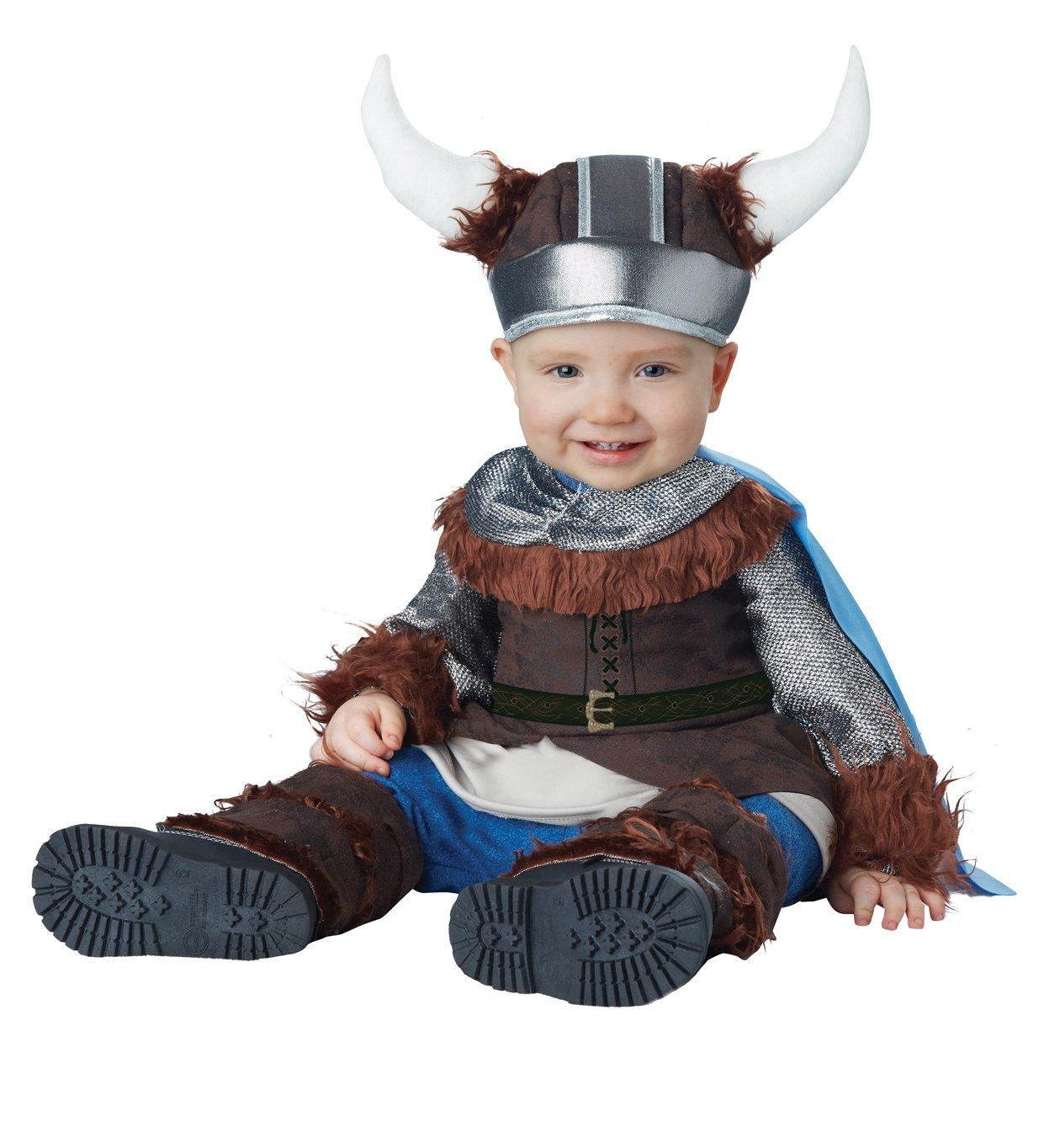 Карнавальный костюм викинга позволит вашему ребенку выделиться на новогоднем утреннике или другом аналогичном мероприятии.