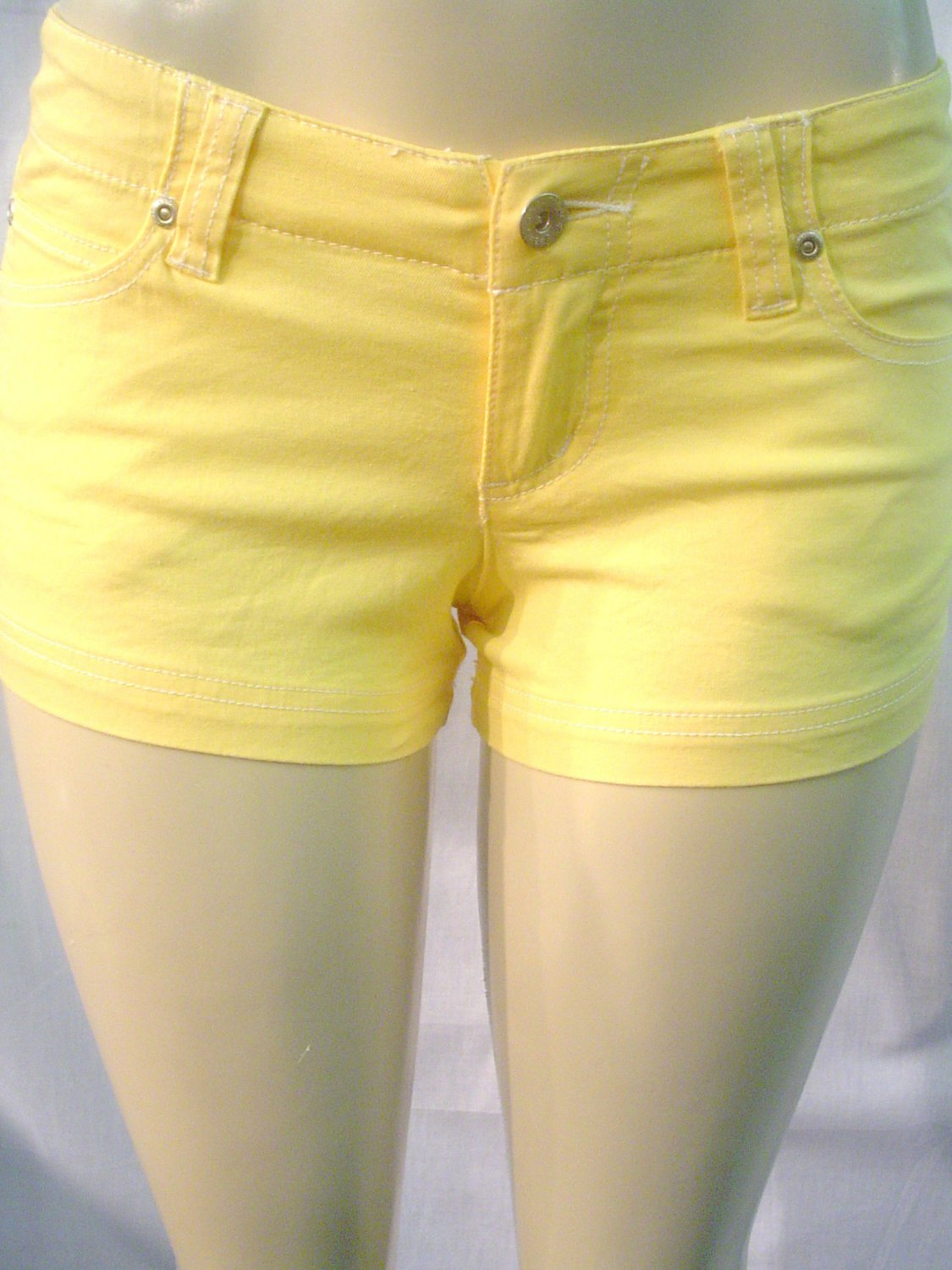 NEW ultra stretchy soft colored denim knit shorts, yelow  sz 5
