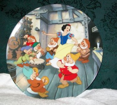 """Knowles """"The Dance of Snow White and the Seven Dwarfs"""" Collectors Plate"""