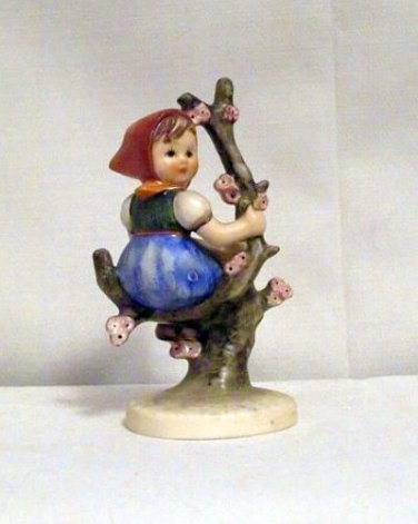 Apple Tree Girl Hummel #141/3/0 (TMK-3)