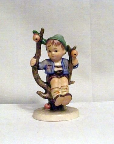 Apple Tree Boy Hummel #142 3/0 (TMK-3)