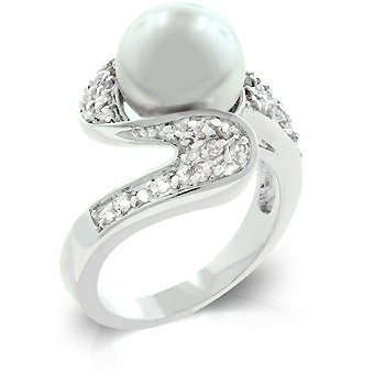Fashion ring in silvertone with white shell pearl, size 8