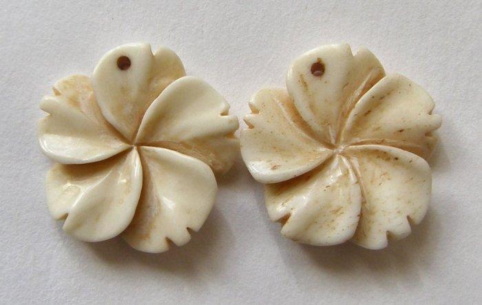 2 CARVED BONE 19mm Pinwheel Flower Pendant Beads