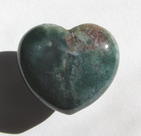 Moss Agate 35X40 Heart Pocket/Wrapping Stone