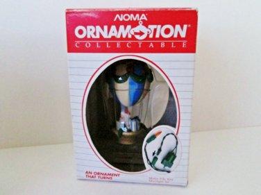 Noma Santas Hot Air Balloon Ornamotion Rotating Ornament in original box