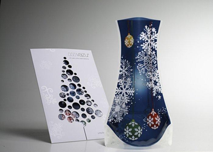Vazu Expandable Portable Decorative 'Holiday Blue' Flower Vase