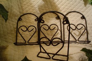 Black Metal Plate Holder with Heart
